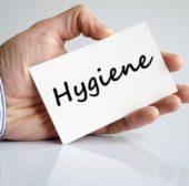 Hygiene und Sauberkeit in Badezimmern und Toiletten