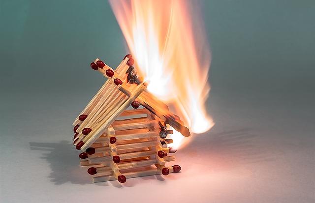 Brandgefahr im Advent – Höheres Risiko in diesem Jahr